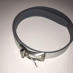 Men's reversible Nike belt size 32